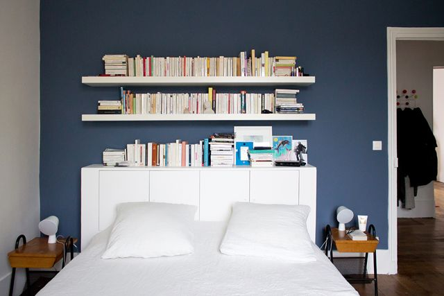 25 best ideas about shelving over bed on pinterest bed for Bookshelf behind bed
