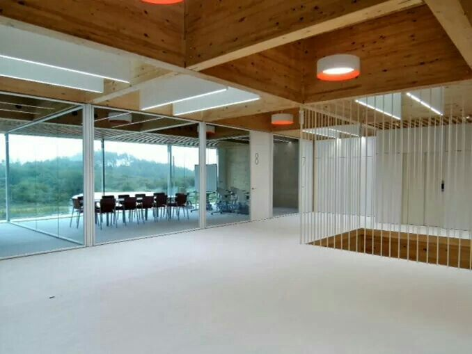540 sqm of FITNICE® Chroma Pure White have already been installed in FINSA Offices by our dealer expert Bandalux. According to the rest of the building this floor gives serenity and light to the place. A perfect and quiet design that matches with the rest of the spaces.