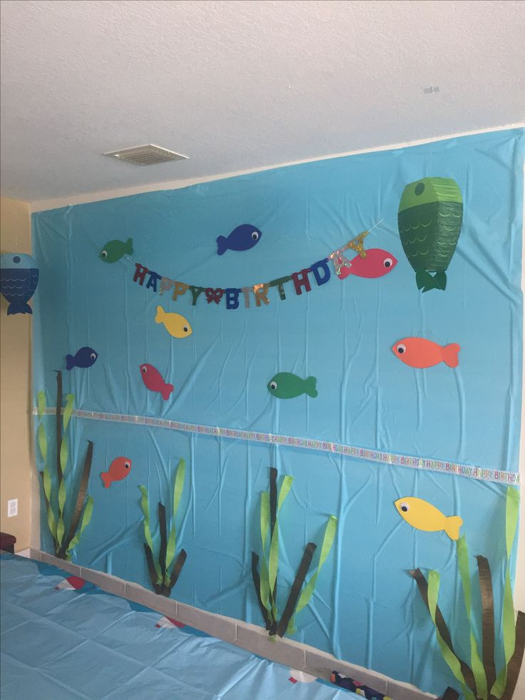 Best 25 fish party decorations ideas on pinterest under for Fish themed bathroom