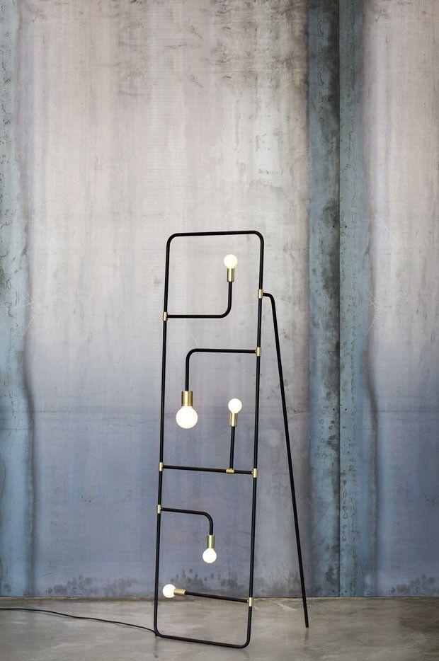 Design industrial! Lançada recentemente na importante International Contemporary Furniture Fair (ICFF), em Nova York, a luminária Beaubien é uma das principais novidades da marca canadense Lambert & Fils. Clique na foto para saber mais!