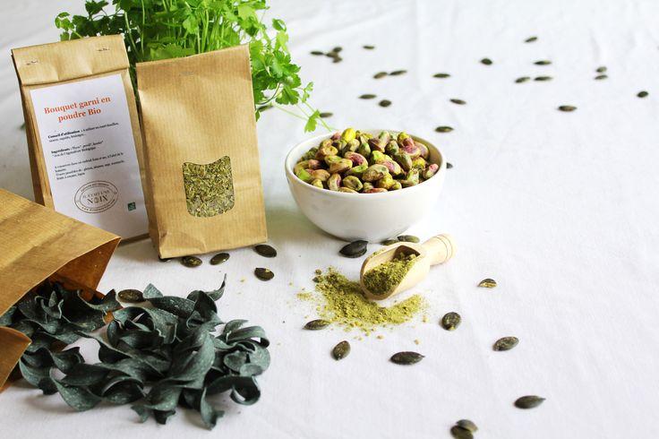 Mettez vous au vert ! Découvrez nos #pistaches, pâtes à la #spiruline, graines de #potiron, mélange #salade, #poisson, #ail et fines herbes ainsi que notre thé vert maté sur www.iletaitunenoix.com #iletaitunenoix