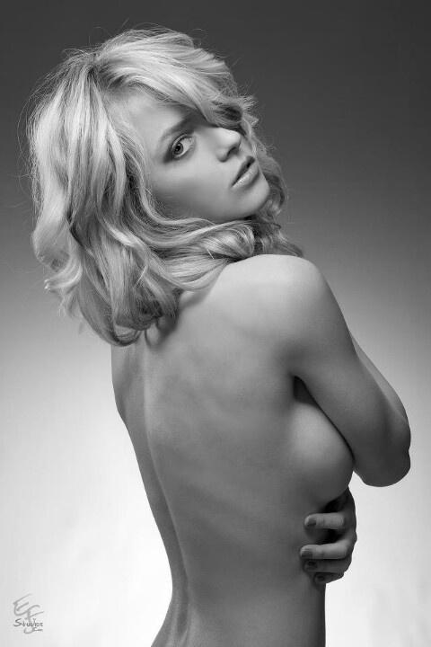 kelsey jones nude