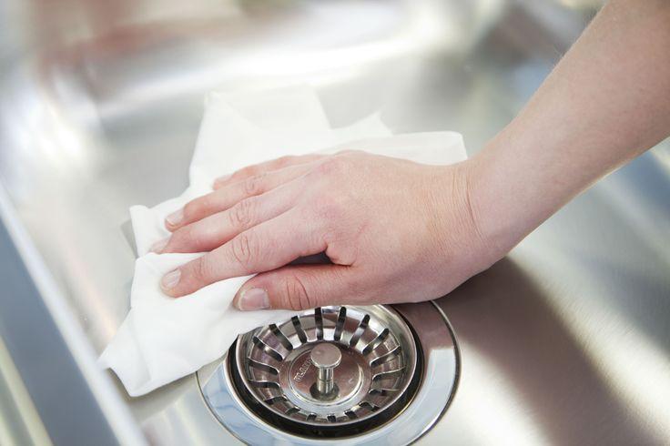 Eskimo kodin kuituliinalla puhdistat altaat niin keittiössä kuin kodin muissakin märkätiloissa.
