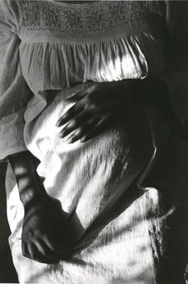 pregnant woman, paris, 1971 • edouard boubat: 1971 Boubat, 1975 Edouard, Mothers, Pregnant Woman, Healing Hands, Baby, Édouard Boubat, Edouard Boubat, Artists Photography