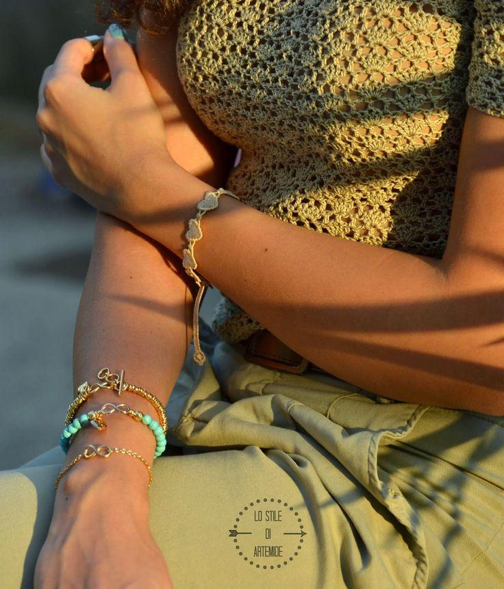 Maria Cristina Sterling gioielli: argento bagnato in oro giallo e pietre azzurre in aulite. Collezioni Infinity Love e Infinity Life
