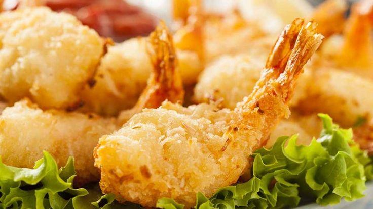 Gamberoni fritti con pastella di farina di cocco, fritto di gamberi pesce fritto