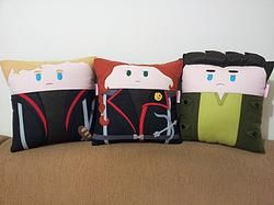 Handmade The Hunger Games Movie Trio Fan Art Plush Pillow Set | #katniss #peeta #gale #katnisseverdeen #peetamellark #galehawthorne #catchingfire #mockingjay #trilogy #saga #lionsgate #movies #celebrities | $79.95 | http://www.rbitencourtusa.com/#!product/prd1/2794702471/handmade-the-hunger-games-movie-pillow-set