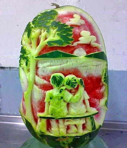 Very creative ! Watermelon sculpture food art