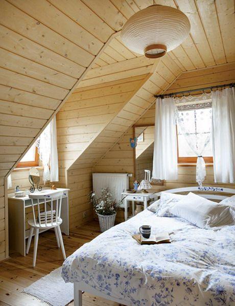 Уютный деревянный дом художника в Польше