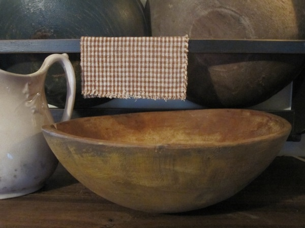 I love this bowl, how many hands have used this.. I have this bowl and it came from my grandma Clara's hands. K.W.