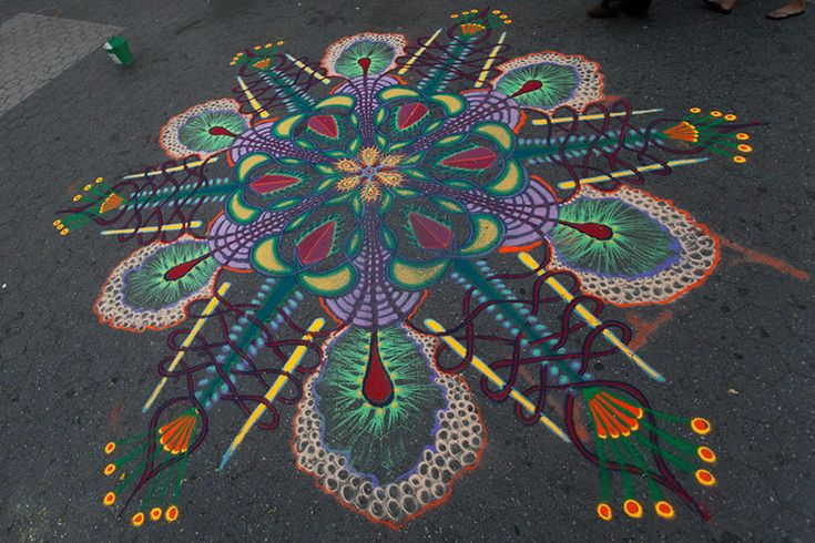 Spontaneous Temporary Sand Paintings by Joe Mangrum