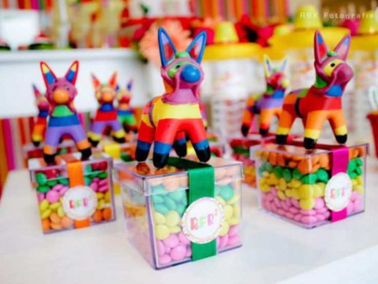 These party favors are so cute and easy to make for a Mexican party!