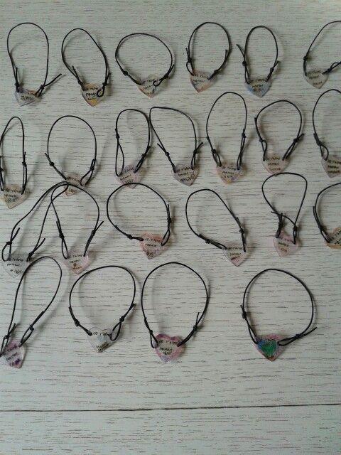 Bracelets coeur plastique fou