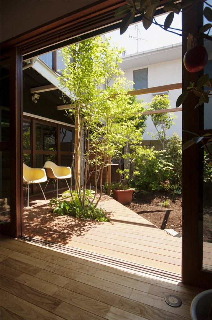 Small contemporary deck