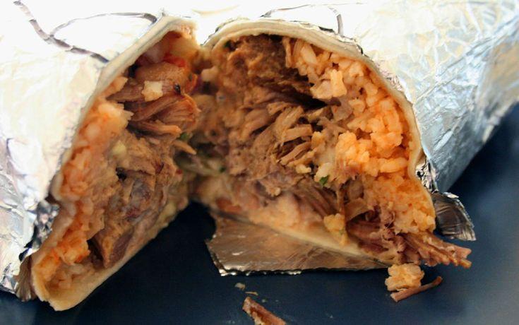"""Burrito, Meksika - Burrito, """"küçük eşek"""" anlamına geliyor ama aklınıza gelen ilk şey doğru değil, eşek eti kullanılmıyor. Kuzey Meksika'dan, Chihuahua'dan dünyaya transfer olduğu söylenir, ancak aslen ABD'de yaşayan Meksikalı göçmenler meşhur etmiştir."""