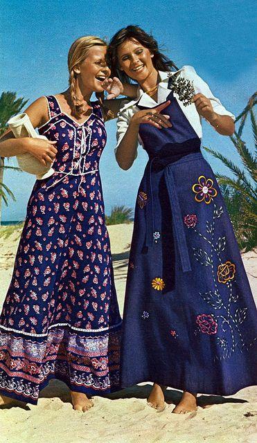 Podemos dizer que nos anos 70 o estilo romântico também teve forte influência na maneira de se vestir. Assim, podemos encontrar  vestidos com temas florais e babados