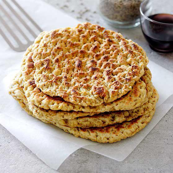 Recept på stekpannebröd. Allra godast är de nygräddade med en klick smör. Perfekt mellanmål på skidtur eller vandring.