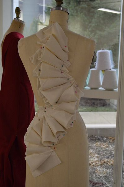 Draping and moulage, Interesting use of shapes applied to the body. Lexi Trixie…