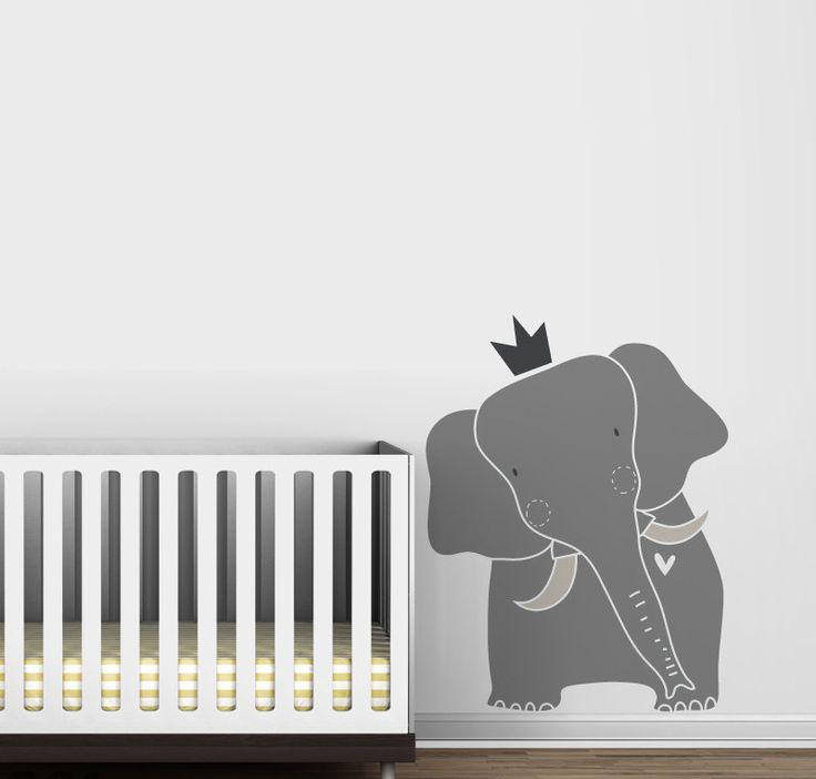 As tendências para a decoração de quarto de bebê se atualizam constantemente, mas as representações com animais resistem e se mantém como uma das temáticas favoritas entre as mamães. Um dos temas que esbanja fofura é o elefante, cuja presença tem um significado muito legal: de acordo com os preceitos indianos, o animal é símbolo da boa sorte, fertilidade, sabedoria, amizade e longevidade. É a atmosfera perfeita para celebrar a chegada do novo membro da família! Para quem está grávida e…