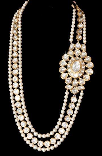 Diamonds in 18K polki kundan necklace, Roopa Vohra