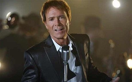 Sir Cliff Richard is to perform at the Queen's Diamond Jubilee concert at Buckingham Palace.