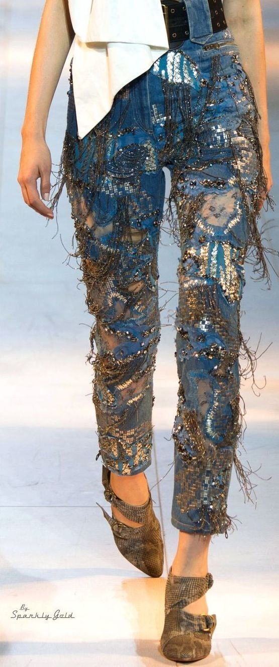 los pantalones vaqueros de primavera de 2016 de Roberto Cavalli: