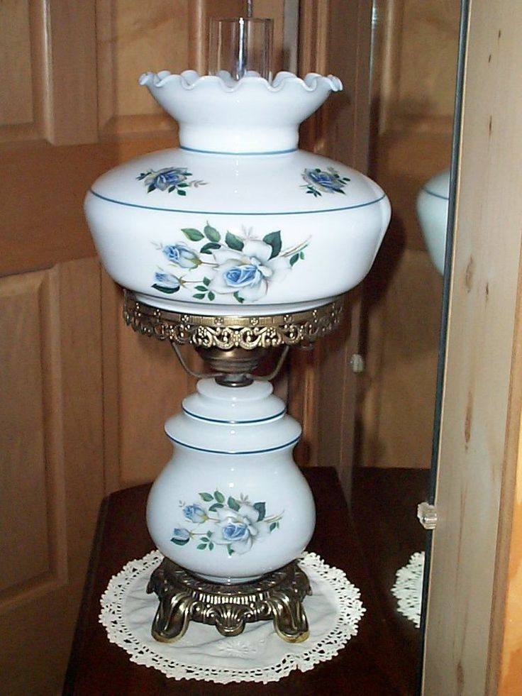 Vintage Gone With The Wind Hurricane Parlor Table Lamp Milk Glass W Blue Roses Gone With The