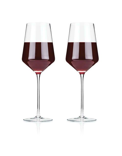 Raye Crystal Bordeaux Glass SetRooted in centuries of Venetian glassmaking tradition, crystal offers the purest, most elegant drinkware experience available. Its perfect clarity coupled with precise lines and angles define our flawlessly crafted Bordeaux glass and unite our crystal collection as a whole.  16 oz Set of 2 Lead-free crystal