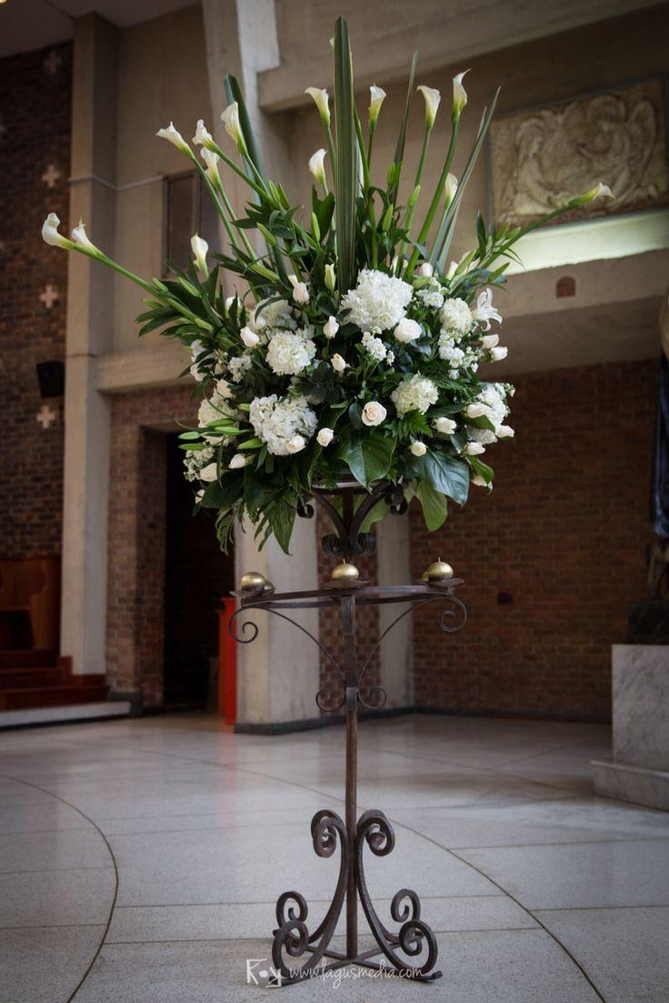 Más arreglos florales iglesia