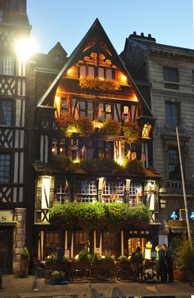 Julia Child's first meal in France was at La Couronne in Rouen. #HappyBirthdayJulia