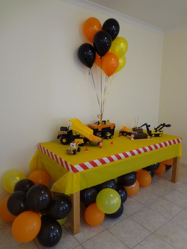 Thanks to some wonderful ideas I found on Pinterest, I created this table as the centre piece for the party.