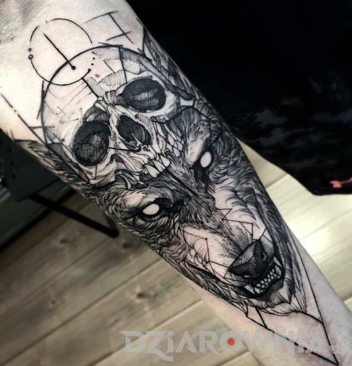 Tatuaże czaszki, zwierzęta, na przedramieniu, dla kobiet: tatuaż Czaszka i wilk