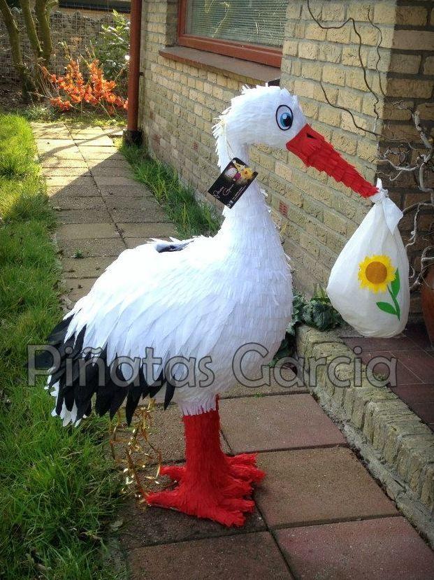 Babyshower stork piñata!