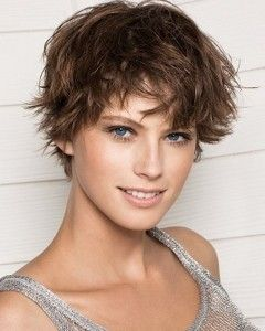 The-Sporty-short-hairstyles-for-round-faces