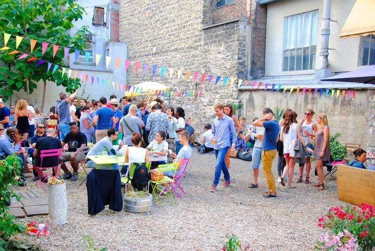 18 best paris bars endroits insolites images on pinterest paris bars diners and restaurant. Black Bedroom Furniture Sets. Home Design Ideas