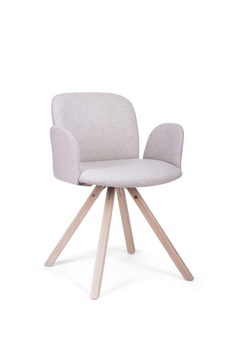 Krzesło April marki Paged. Znajdź więcej na: www.euforma.pl                     #krzesło #paged #april #design #home #chair #polishdesign
