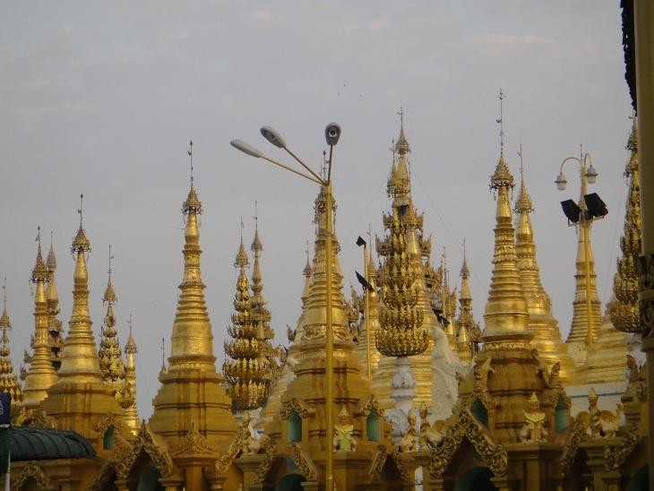 Viaje en 2012 a Birmania. Un país que te impacta por su belleza, la amabilidad de sus gentes y por una enorme espiritualidad
