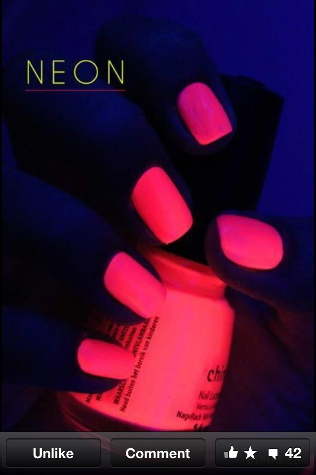 Pink neon nails