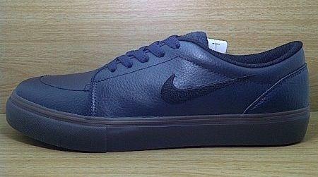 Kode Sepatu: Nike SB Satire Navy Gum  Ukuran Sepatu: 42.5 Harga: Rp. 660.000,- Untuk pemesanan hub 0831-6794-8611