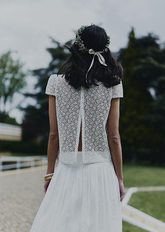 High Parny, jupe Wooden & couronne de fleurs Bergamotte