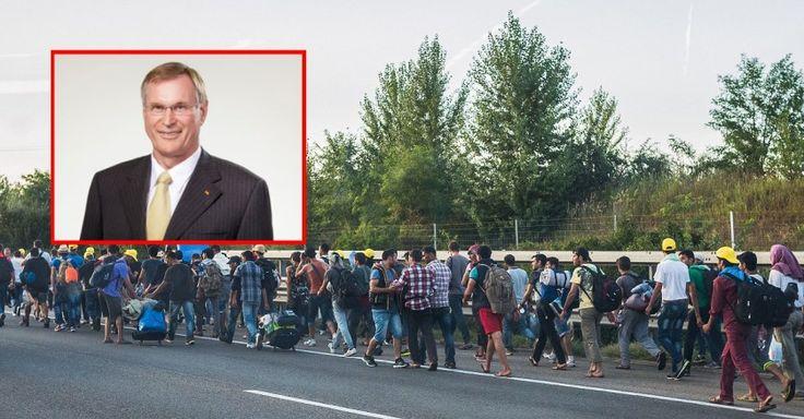 """Im Interview mit """"The European"""" warnt der ehemalige Bundestagsvizepräsident Johannes Singhammer (CSU) vor dem Beginn der größten Völkerwanderung der Geschichte. Seit 1991 sitzt Singhammer für die CSU im Bundestag. Nach 23 Jahren wird der heute 64-Jährige aber nicht mehr als Abgeordneter kandidier..."""