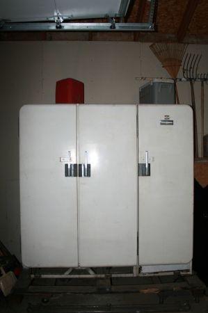 Best Vintage Ge Frigidaire 3 Door Refrigerator For 650 On 400 x 300