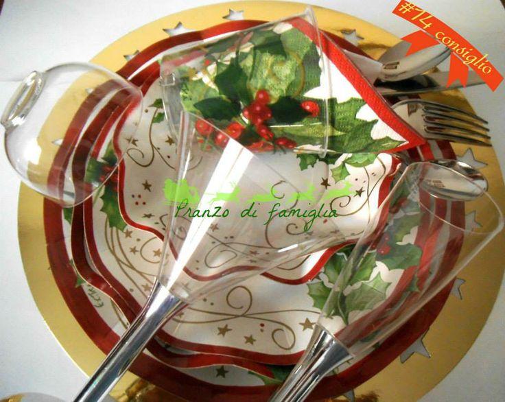 14 dicembre - apparecchiatura usa e getta http://www.pranzodifamiglia.it/la-tavola-di-natale-usa-e-getta/