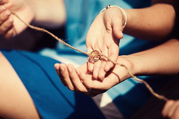 Zehn kreative Ideen und Tipps, um eine Freie Trauung individuell mit Ritualen und Aktionen zu gestalten.