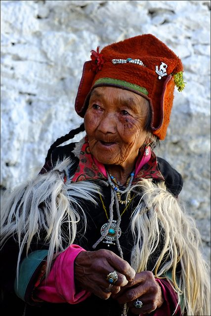 Elderly Woman from Tibet..................Why don't the Brits wear this kind of stuff.........ageless and distinctly personal.