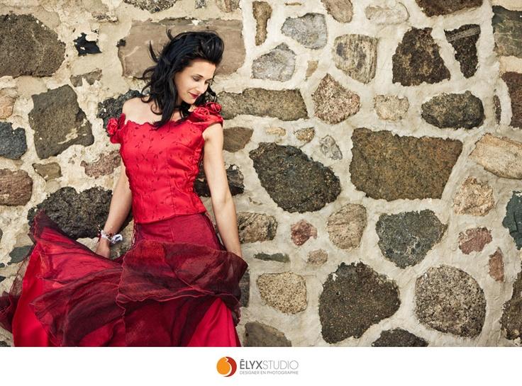 Robe par Stessy Chenail Designer   Manneuqin Veronique  Photo Elyxstudio  Maquillage Marie Sonex