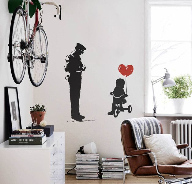 banksy ballon m dchen cop wandtattoo streetart banksy wall sticker and graffiti. Black Bedroom Furniture Sets. Home Design Ideas