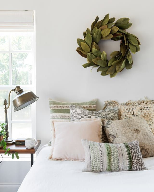 While we've gotten to know Joanna Gaines and her style over the past few years from HGTV's Fixer Upper, she's been at it since 2003 when she and her husband Chip opened their Magnolia Market boutique in Waco, TX. A few years later and two hours up I-35, Loloi Rugs opened in Dallas with the humble vision of designing the world's most original rugs.