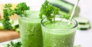 Parsley Smoothie 1½ c water, ½ cucumber, 1 banana, 1 c pineapple chunks, ¼ bunch of parsley, 1 c ice cubes