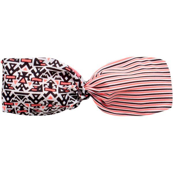 Pull & Bear Print Bikini Top With Twist ($8.10) ❤ liked on Polyvore featuring swimwear, bikinis, bikini tops, bathing suits, swimsuits, beachwear, ice, swim tops, bathing suits bikini and tankini bathing suit tops
